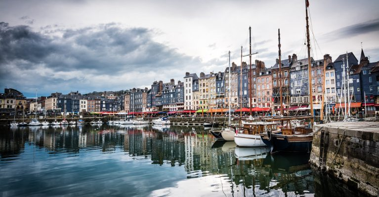La côte fleurie: Deauville , Honfleur, Beuvron en auge